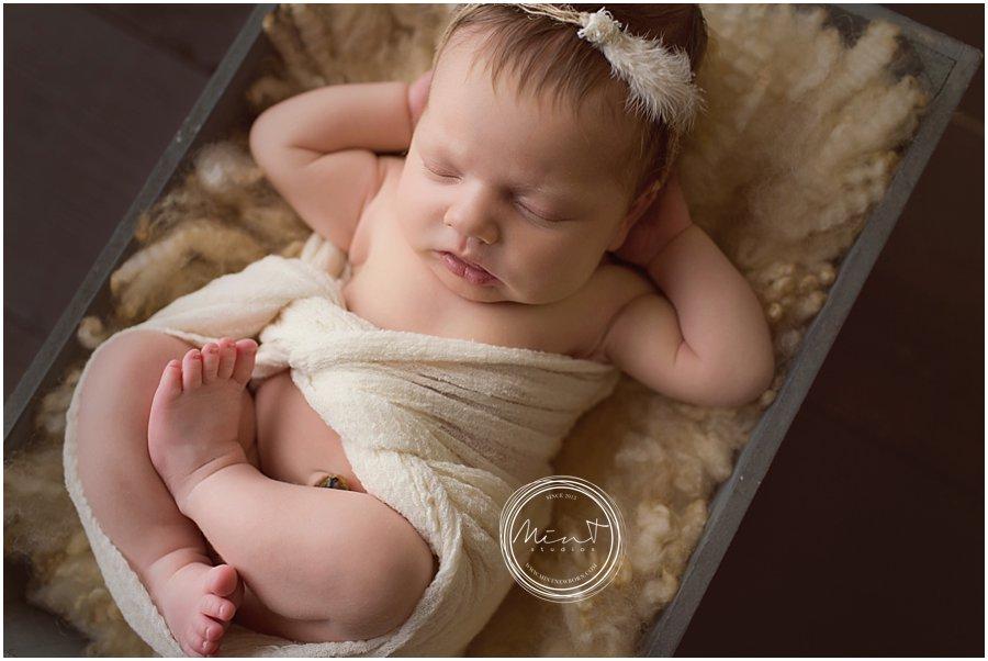 Pebble-Beach-Newborn-Photographer_1434